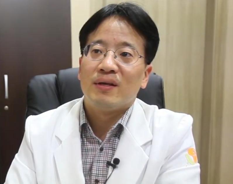 Lee Am - Hospital Director